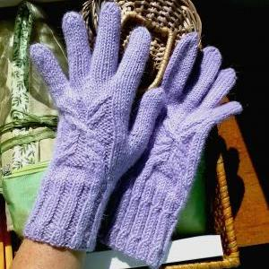 Cable Butterfly Gloves Knitting Pat..